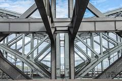 Elbbrücken Hamburg (Elbmaedchen) Tags: elbbrücken hamburg lines curves stahlbrücke unterwegsmitkarin uwä symmetrie
