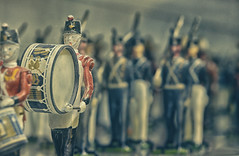 Strike Up the Band! (Paul B0udreau) Tags: canada ontario niagara paulboudreauphotography nikon nikond5100 photoshop nikkor50mm18 raw bandodekvar rom royalontariomuseum toronto toys soldiers marching drum band military uniform statuette