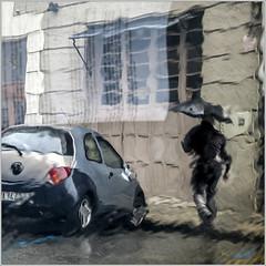 Rainy day. ( Pamplona ) (José Luis Cosme Giral) Tags: rainyday día lluvioso paraguas coche lluvia streetphoto fotocallejera canon powershot s100 pamplona navarra