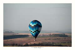 Ballooning! (Marcos Jerlich) Tags: balloon ballooning countryside rural landscape skyline sky cielo atardecer colorful light contrast boituva brazil canon canont5i canon700d efs55250mm marcosjerlich
