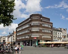 Den Bosch - Markt (grotevriendelijkereus) Tags: den bosch hertogenbosch city town stad centrum center noord brabant holland netherlands nederland architecture architectuur gebouw building
