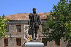 Tolède (hans pohl) Tags: espagne castillelamanche toledo architecture statues art façades