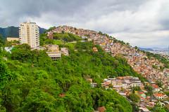 Sur la montagne. (alain_did) Tags: brésil amériquedusud favélas habitations maisons architecture