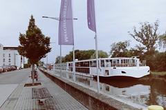 Schweinfurt (TureBlådåre) Tags: boat film pelicula 35 mm nikon f75 n75 kodak portra 160 germany channel schweinfurt main river