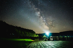 Light up the MIlky way (Aherzog81) Tags: samyang12mm milkyway milchstrase long exposure night water see lake a6000 lampe