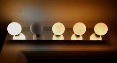 The end begins / Empieza el fin. (jaime.tomizawadealmagro) Tags: bulb bombilla fused fundida lightbulb gone ido five cinco indoor interior smarthphone teléfono