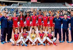 "Equipo voleibol femenino de República Dominicana en Holanda • <a style=""font-size:0.8em;"" href=""http://www.flickr.com/photos/143921865@N05/35834249306/"" target=""_blank"">View on Flickr</a>"