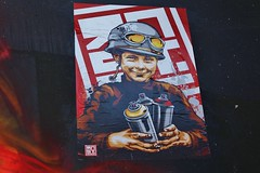 RNST_2449 boulevard du Général Jean Simon Paris 13 (meuh1246) Tags: streetart paris paris13 boulevarddugénéraljeansimon lelavomatik rnst enfant casque spray