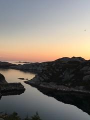 Sommernatt (saltebanana) Tags: norway norge skinnhueneset goddo bømlo sea sjø midnightsun sommernatt summer sommer