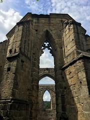 Durchblick (il.ka15) Tags: kloster oybin zittauer gebirge himmel ruine steine gothik kirche church
