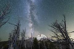 The Milky Way over Mt. Hood (Ben McLeod) Tags: cloudcap cloudcapinn mthood oregon astrophotography milkyway night stacked