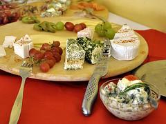 Brunch (robárt shake) Tags: caféblocksberg blockdiek brunch nahrungsmittel food essen käse fischsalat weintrauben frühstück begegnungsstätte küche kochen zubereitung angebot