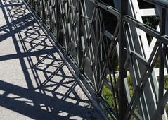 P1090094 Grenzbrücke / Geländer (Traud) Tags: grenzbrücke geländer schatten deutschland germany austria österreich border grenze bridge brücke jugendstil fence