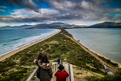 Posing to remember. The Neck, Bruny island (Val A[d]venture) Tags: australia australie voyageur backpacker valaventure valadventure tasmania tassie tasmanie canon eosm3 june 2017 brunyisland bruny island landscape paysage