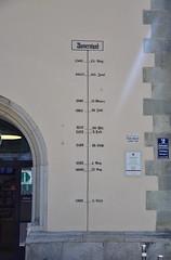 Hochwassermarke am historischen Rathaus (peterwoelwer) Tags: passau bayern bavaria deutschland germany donau inn schwarzeilz ilz