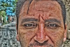 Vejez prematura #oldman #time #face #eyes #eyesbrown #looking #inside #adult #vintage #nikond3200 #wrinkles #skin #life #memories (elladoobscurodelaluz) Tags: oldman time face eyes eyesbrown looking inside adult vintage nikond3200 wrinkles skin life memories