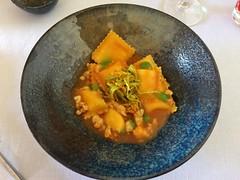 Ravioles à la mozzarella et sauce aux crevettes
