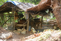 Workers in small-scale gold mine in Camarines Norte (ILO in Asia and the Pacific) Tags: childlabour decentwork philippines mining povertyreduction everydaylifeandfamily localeconomicandruraldevelopment safetyandhealth educationskillsandtraining employment workingconditions