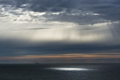 Hål i taket (arkland_swe) Tags: cloud sky sunray mon