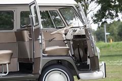 34-YD-44 Volkswagen Transporter 1500 kombi 1975 (Wouter Duijndam) Tags: 34yd44 volkswagen transporter 1500 kombi 1975 braziliaan