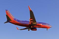 LAX/KLAX: Southwest Boeing B737-7BX N552WN (Roland C.) Tags: airport losangeles losangelesinternational klax lax california usa boeing airbus b737 b737700 n552wn southwest