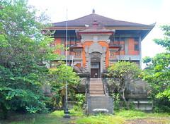 Ex-Perpustakaan Daerah Bali (Ya, saya inBaliTimur (using album)) Tags: building gedung architecture arsitektur denpasar bali library perpustakaan