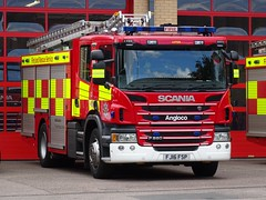 Luton - 48 - FJ16 FSP (999 Response) Tags: bedfordshire fire and rescue service dunstable station open day 2017 luton 48 fj16fsp