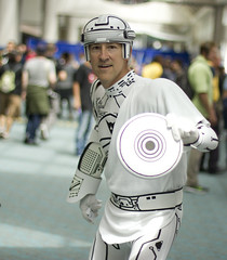 Tron (San Diego Shooter) Tags: comiccon comiccon2017 cosplay portrait sandiego bokeh sdcc sdcc2017 streetphotography comicconcosplay sandiegocomiccon comicconcostumes tron