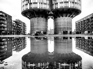 New Home #dk #cph #copenhagen #portlandtowers #habour #østerbro #redmolen #bw #bnw #blackwhite #home #house #architektur #architecturephotography #Nordhavnen #DesignGroupArchitects #balticsea #skandinavia #mzh #olympus #mft #omd o