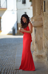 The woman in red (Carlos Arriero) Tags: ronda málaga españa thewomaninred lamujerderojo woman girl prettywoman prettygirl bella sonrisa smile rojo red vestido dress street calle urban urbana spain europe europa retrato portrait gente people personas dof bokeh fhasion moda mujer guapa andalucía nikon d800e tamron 70200mm 70200mm28 carlosarriero color colour colors city ciudad f28 women