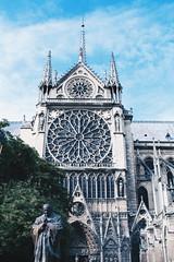 Notre Dame (juliecaillé) Tags: notredamedeparis paris architecture france details canoneos700d daylight