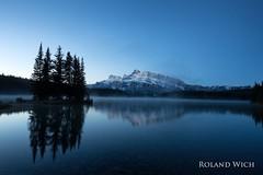 Two Jack Lake (Rolandito.) Tags: canada kanada banff mountain mountains two jack lake morning dawn twilight