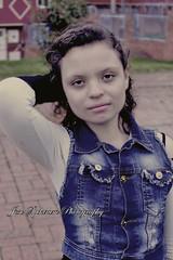 https://www.facebook.com/JoseSpektrumPhotography/ (josespektrumphotography) Tags: foto modelo mujer niña manoenlacabeza planomedio calle lluvioso parque josespektrum josespektrumphotography