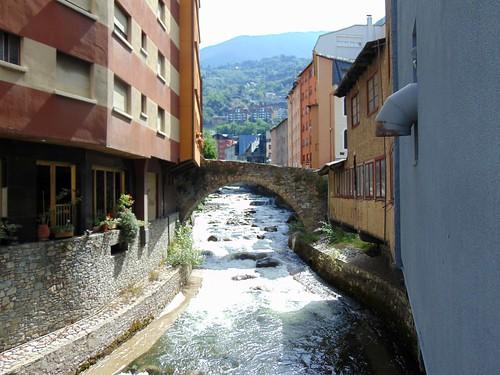 Les Escaldes (Andorra). Pont d'Engordany.