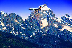 AIRLINER BBBES LANDING GRAND TETONS-3251 (Gerry Slabaugh) Tags: gerryslabaugh grandtetons tetons wyoming