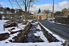 Eina 4 (SLVA49) Tags: rural rio frio pueblo cerdanya nilon df 1635mm f4