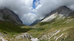 Val Maone e i suoi pilastri (EmozionInUnClick - l'Avventuriero's photos) Tags: cornogrande gransasso pizzointermesoli montagna panorama valmaone