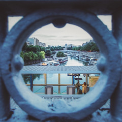Bastille (DiluJ) Tags: street streetphotography streetscene streetcolor urban urbanphotography paris seine river metro subway bastille eye circle boats reflection perspective city cityscape omd em5 olympus m43