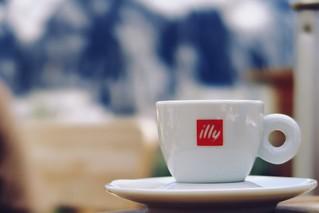 Un espresso per favore