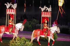 romain a la cinescenie du puy du fou (hyéronimous) Tags: puydufou spectacle nuit cinénéscénie romains chevaux