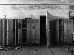 locker II (conspectus_bs) Tags: marode zerfall ruine brache verfall verlassenerort épuisé péremption abaissement déchéance dégradation désintégration dislocation délabrement friche ailing decay deterioration ruins lostplace urbex urbanexploration urbanexploring abandoned conspectus wasteland locker spinde schränke vestiaire