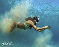 Emergence (bodiver) Tags: hawaii kailua kona ambientlight wideangle tokina1017mm mermaid sand fins freediving freedivers blue ocean snorkeling