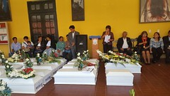 "Ministra Pérez Tello participó en entrega de restos de víctimas de la violencia en Ayacucho • <a style=""font-size:0.8em;"" href=""http://www.flickr.com/photos/156664909@N08/35499799050/"" target=""_blank"">View on Flickr</a>"