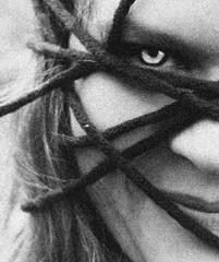 Demon (One-Basic-Of-Art) Tags: annewoyand woyand anne 1basicofart onebasicofart fotografie foto photographie mono einfarbig monochrom monochrome black white schwarz weis weiss grau gris grey noir blanc gloomy mood moody spooky creepy demon monster nightmare nightmares night scar scary pain angst fear evil devil teufel diablo