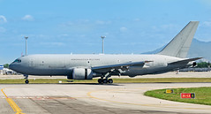 Italian Tanker (LeoMuse747) Tags: italian italy air force aeronautica militare boeing kc767a kc767 767200 mmtt tanker mm62228 pratica di mare airbase italia fortaleza pinto martins international intl airport for sbfz leomuse747 tmafortaleza nikon d5100 nikkor 70300mm vr camera lens dslr sky blue landing flying boom probe drogue tank airtanker tankerplane