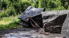 _61A5227.jpg (fotolasse) Tags: svartabergetlönsboda svarta berget hägghult lönsboda stenhuggeri svart sten stenbrott kran lyftkran natur kultur kulturminne arbete sweden sverige skåne hammare stone vatten water culture