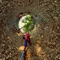 Inside Thema #wormhole #tinyplanet #smallplanet #littleplanet #360photography #spherical #inverted #gear360 (waltitellvuri) Tags: wormhole 360photography spherical inverted littleplanet gear360 smallplanet tinyplanet