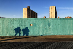 The green fence (erichudson78) Tags: usa nyc brooklyn coneyisland fence canoneos6d canonef24105mmf4lisusm green vert bleu blue sky ciel ombres shadows 7dwf palissade two deux smileonsaturday fancyfence