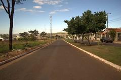 Jataí, Goiás, Brasil (Proflázaro) Tags: brasil goiás jataí rua cidade cerrado céu natureza