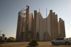 Jataí, Goiás, Brasil (Proflázaro) Tags: brasil goiás jataí edifício arquitetura cidade igreja céu